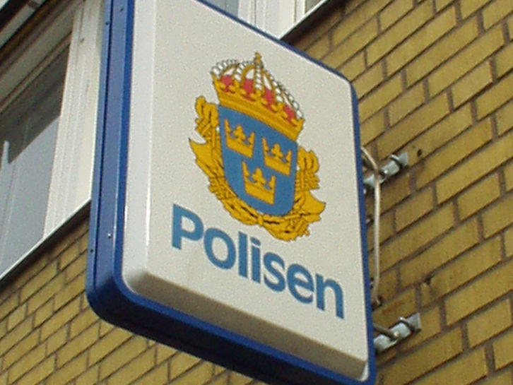 sollentuna polisen öppettider
